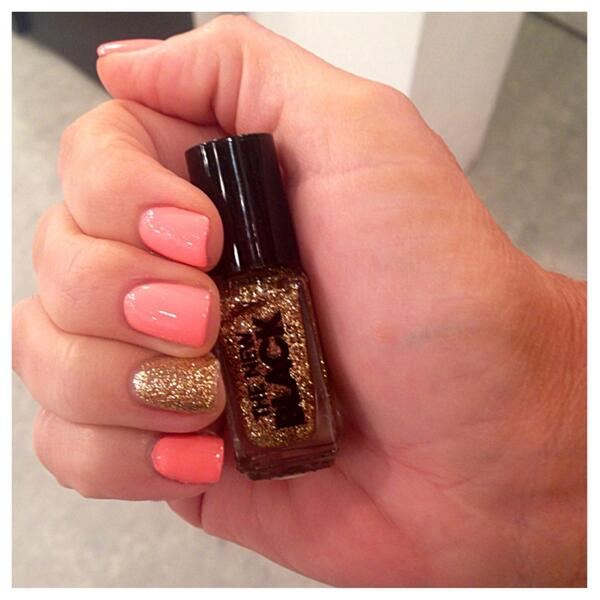Show stopping nails compliments of @The_New_BlackTV! @AmyMorrisonHSN #BeautyReport http://t.co/NVzTd5OIKm