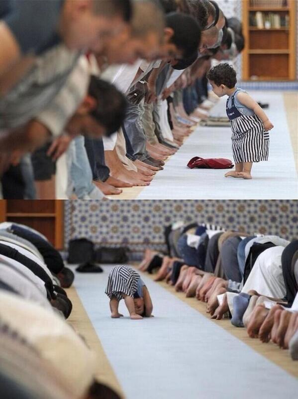 محمد الأحمري (@alahmarim): اختارتها رويتر كأحسن صورة لطفل يحاول أن يصلي في أول رمضان http://t.co/0KHLnVA6gY