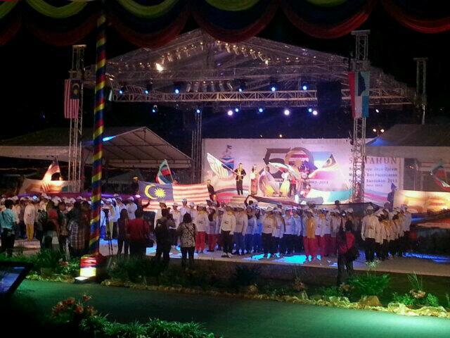Patriotik pemimpin dan rakyat smpena Jubli Emas 50 Tahun Sabah Merdeka dan Maju Jaya Dalam Malaysia @NajibRazak http://t.co/JOu0y7oHz8