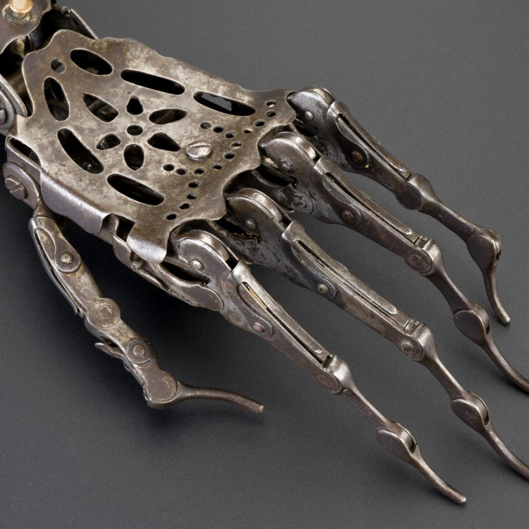 Photo Of The Day: A 150 Year Old Victorian Prosthetic Hand http://t.co/Iqy2jGuwLf