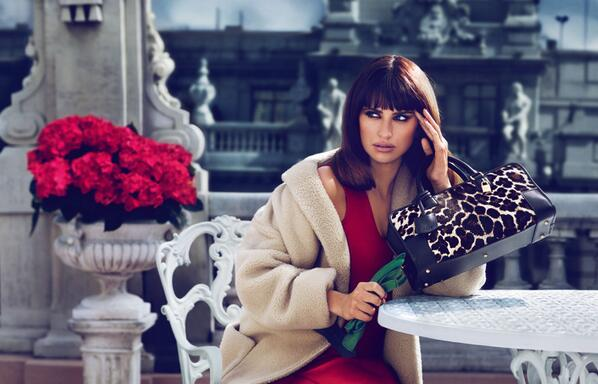 Actress Penelope Cruz poses in Madrid for @LoeweMadrid's a/w campaign. http://t.co/nu4Wdsyqvd
