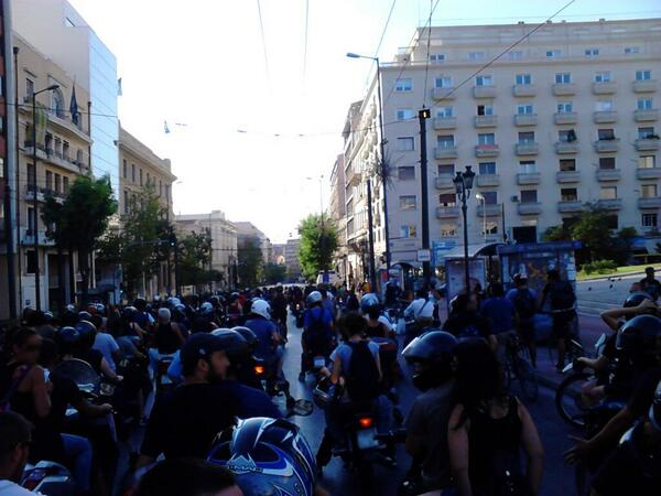 Theodora Oikonomides (@IrateGreek): Bikers protest gathers in downtown Athens, headed to Nikaia hospital to demand #free_sakkas RT @_GiaNt_: #rbnews https://t.co/tonLyTJAMa