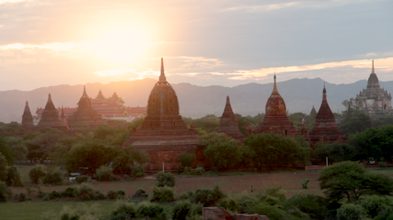 RT @LP40trip: A rather nice farewell gift from Burma: this ridiculously beautiful sunset over the temples of Bagan. #lp #lp40trip http://t.co/AgDH0mpchw