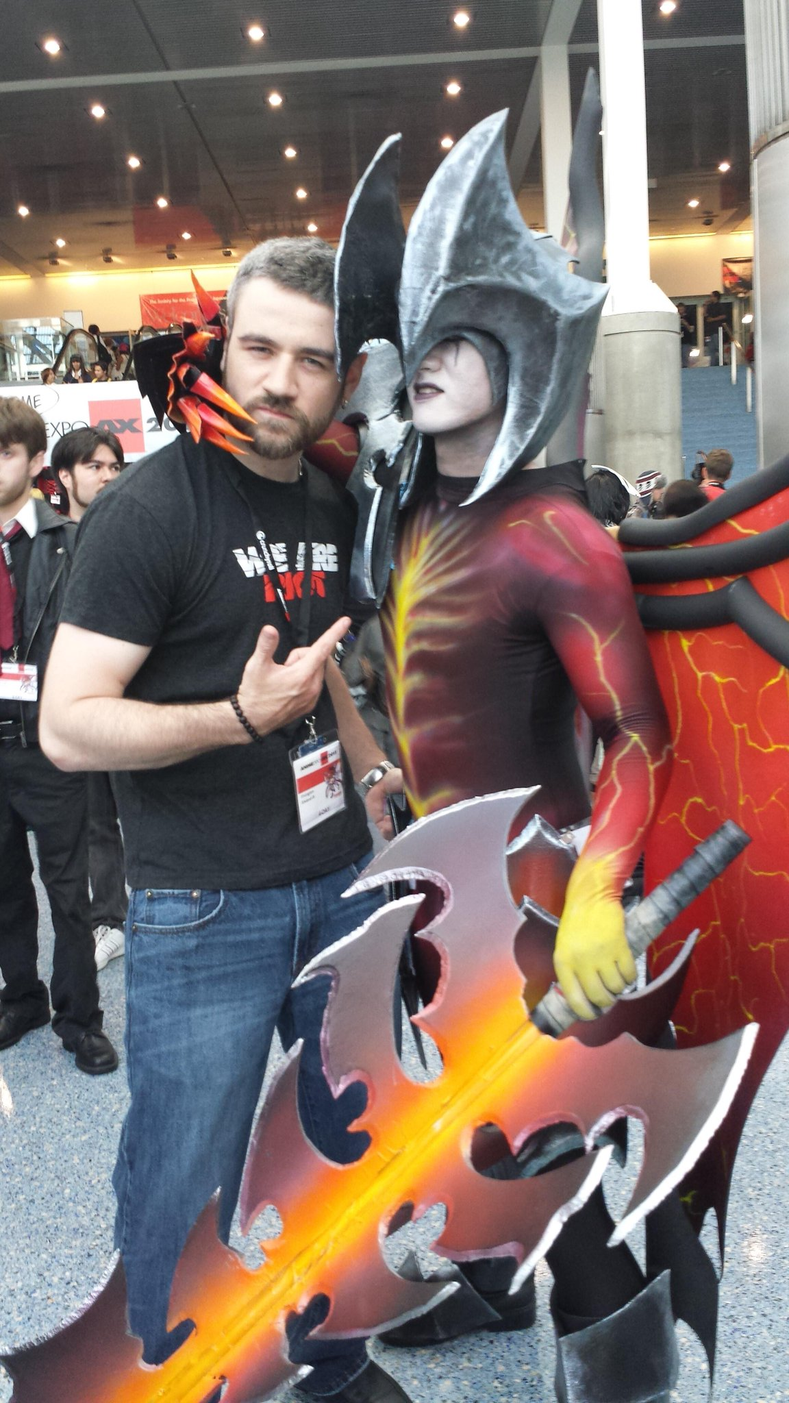 RT @RivingtonThe3rd: Check out this awesome picture of an Aatrox Cosplay at the #AnimeExpo #LeagueofLegends http://t.co/JjY1C7icdo