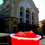 RT @EsMaracaibo: Cola en el @TeatroBaralt #Maracaibo http://t.co/seOVrH7wYQ