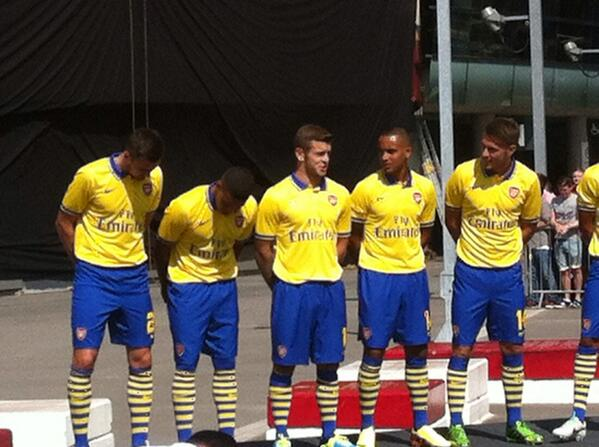 BOvXOtaCIAEidKG In Pictures: Arsenal unveil their Invincibles inspired away kit at the Emirates