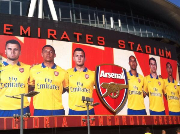 BOvXdPwCUAAsgWl In Pictures: Arsenal unveil their Invincibles inspired away kit at the Emirates