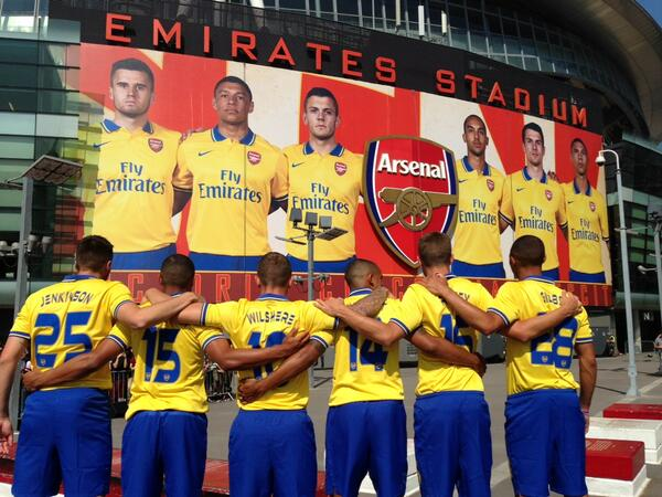 BOvbUOhCUAA4lrc In Pictures: Arsenal unveil their Invincibles inspired away kit at the Emirates