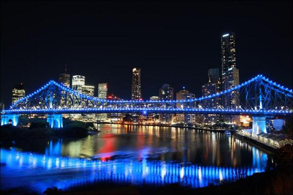 Brisbane's Story Bridge lit up in blue tonight for the #RoyalBaby http://t.co/CAjJRqKpEp