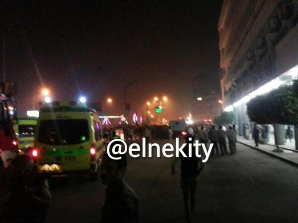 RT @ElnekitY: الوضع دلوقتى والدنيا مقلوبه والقوات الخاصه موجوده 777 وفيه اصابات كتير http://t.co/40yur6pls9 #مديرية_اﻷمن #المنصورة #Mansoura