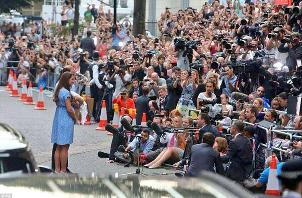INCREDIBLE: What you didn't see as the world met The Prince of Cambridge  #RoyalBaby http://t.co/RHSZca0ona (@NMoralesNBC)