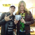 RT @DehSvet: @sebastianbach worth waiting eight hours to see one of mestrer of music, dream realized, thank you tião http://t.co/AITE5zRnkC