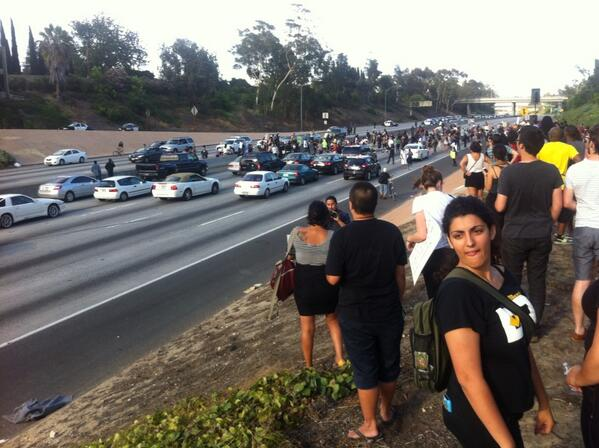 We are checking reports of problems with Trayvon Martin protest in South L.A. from   http://t.co/3hQwTgfHGL