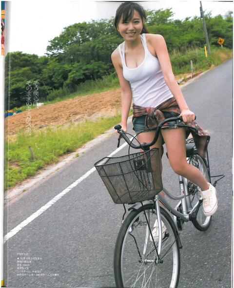 RT @korocha1999: AKB48's Minarun. (。・ω・) I want to ride a bicycle with a girl... futari nori no jitensha... http://t.co/sCg3h40soz