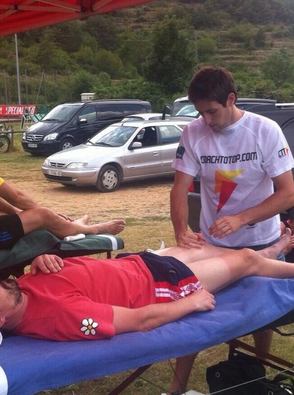 RT @CoachToTop: Ayer nuestro Fisio en @lacatllaras. #coachtotop esta en todas partes! #grantrabajo http://t.co/kpC2j7qNRg