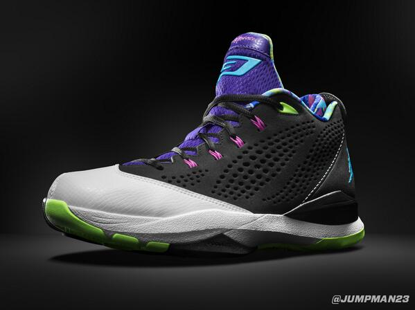 During our #FlightTour, @CP3 unveiled his 7th signature shoe - the CP3.VII. Here's a first look: http://t.co/5sd4SoXGXk
