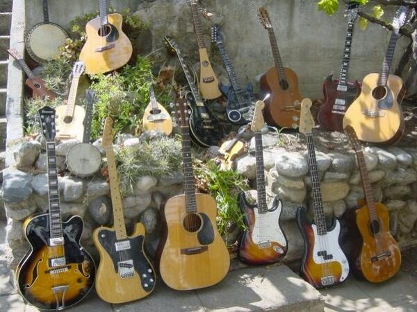 My collection  #guitar lessons http://t.co/ADWxGb7uVD