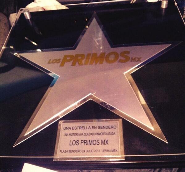 Arturo Vargas Rios (@LosPrimosArturo): Les presumooo nuestra estrella si les gusta #RT http://t.co/z8nrcDBfoD