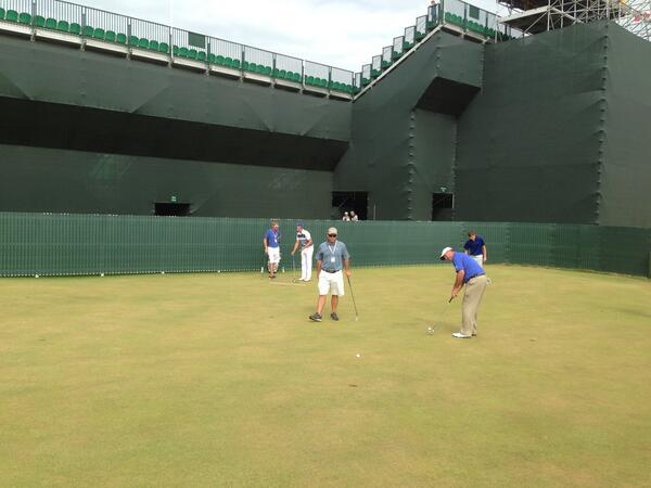 Boo Weekley and Henrik Stenson on the putting green. http://t.co/1fRCEFh0tc