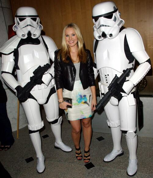 Happy Birthday to Friend of the Legion Kristen Bell (@IMKristenBell)! May The Force Be With You! http://t.co/x5o1v7qABU