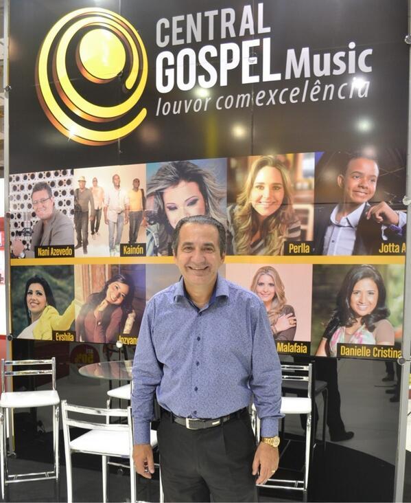 Agora sim vai a foto do @PastorMalafaia no estande da #CentralGospelnaFIC http://t.co/fFIvi08jce