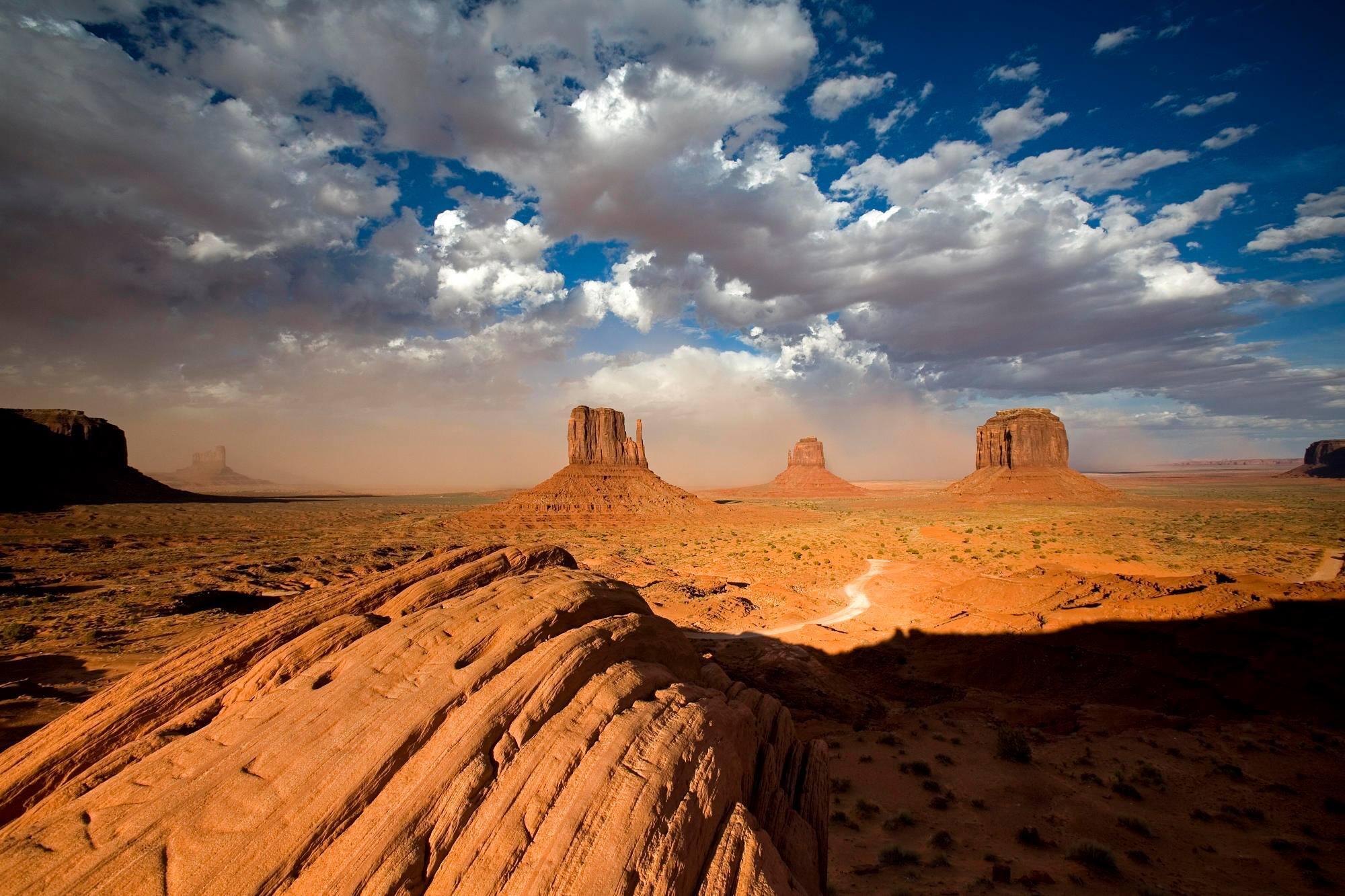 Monument Valley, Utah @Nourlandcom  http://t.co/1qQojnws62