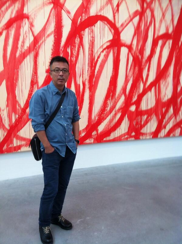 RT @simoncgrant: Met Liu Xiaodong (here with Twombly at Tate Modern). Look out for his piece on Turner & Twombly in next @TATEETCmag http://t.co/GXCPlJg8pu