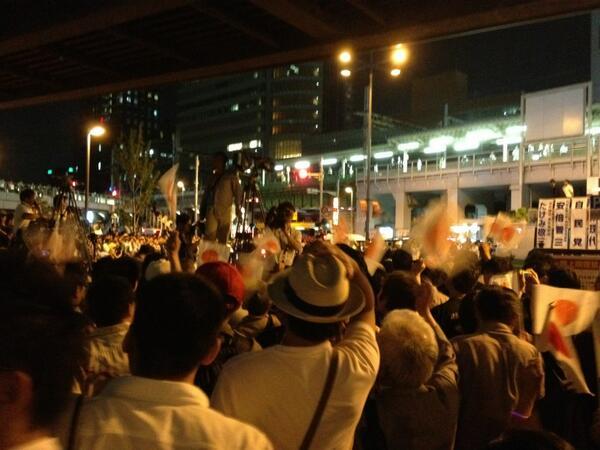 江川しょこたん「安倍首相に日の丸振ってたやつらがNHK報道陣を罵倒してた。異様な雰囲気」