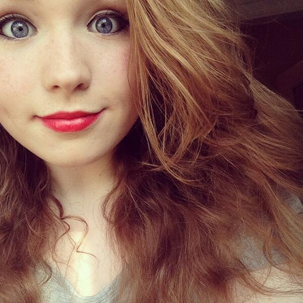 """""""@thelarryteam: quote this tweet with a selfie and whoever rts thinks you're flawless."""" Blah http://t.co/3RoYUVUWqj"""