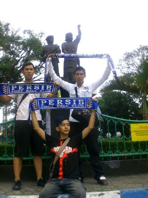 @viking_lembang Tour Malang @panjiwiliantor1 at Std.Gajayana (nya hujan nya eleh) http://t.co/z7uPkxXZEH