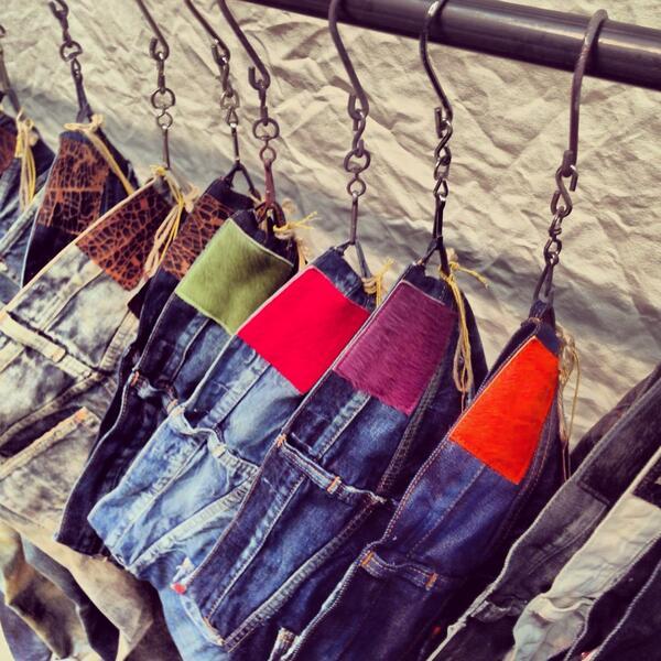 Loving the details and color stitching on these PRPS Noir jeans. #projectny #bloggerproject #askmen #Menswear #denim http://t.co/LEhK8xEyZP