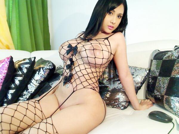 Dayaanna  (@DayaannaCam4): #RT O FAVORITE SI TE GUSTA :) http://t.co/y06VloS9Cn
