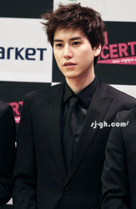 jamannya bonamana ^^, RT @kintan_epe : SparkyuINA very handsome, better youngg http://t.co/xxArOPCfxy