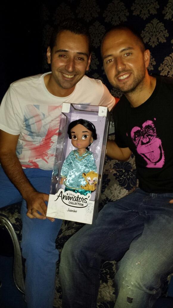 """RT @FINIKI_MR: """"@kilianario: Con el muñeco @Kristian17gh14 y @MarcoSanc81 http://t.co/VI6g7Asa9v"""""""
