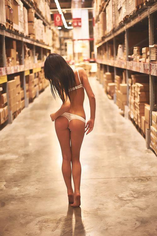 Visite guidée des entrepôts d'Amazon ^ ^ http://t.co/7ovh1ytO4S