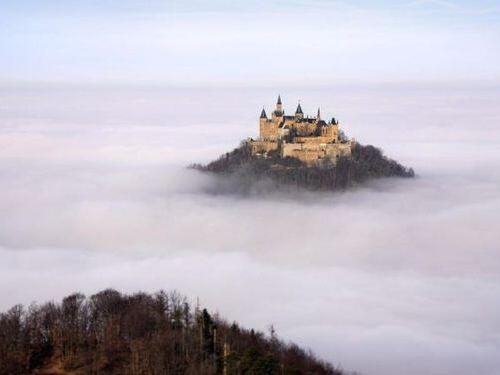 ◆【ドイツ/ホーエンツォレルン城】海抜855mの山の頂きに建つお城まるで『天空の城ラピュタ』みたいだね…ふたりで行ってみ