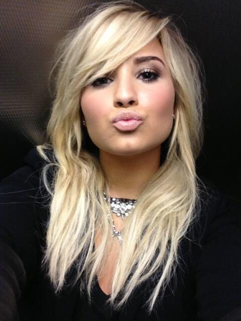 💗 my Lovatics!!!! http://t.co/fPdkL5apKZ