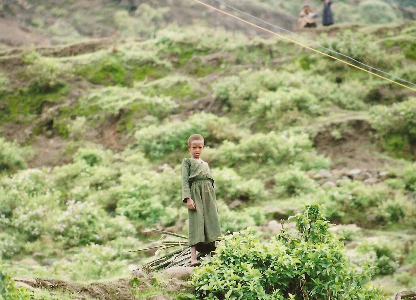 RT @gigglesyee: @lonelyplanet A curious gaze on the hilly mountains near Lalibela.  Northern Ethiopia #lp #travel http://t.co/wEMTeqd85v