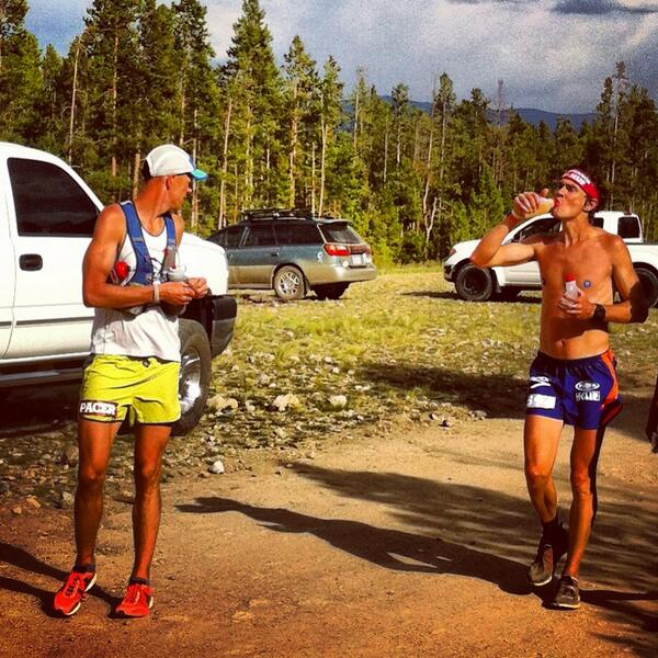 Refueling @ Treeline in 4th, swapping pacers, running strong! http://t.co/1kYSSWFTAk