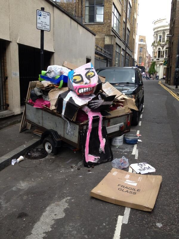 Yet another rubbish art installation in Shoreditch http://t.co/94siY25U6T