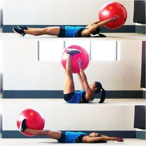 Aquí tenéis un gran ejercicio para trabajar vuestros #abdominales: ¡que no falte en vuestra rutina! #fitness http://t.co/J7lu8u8sKr