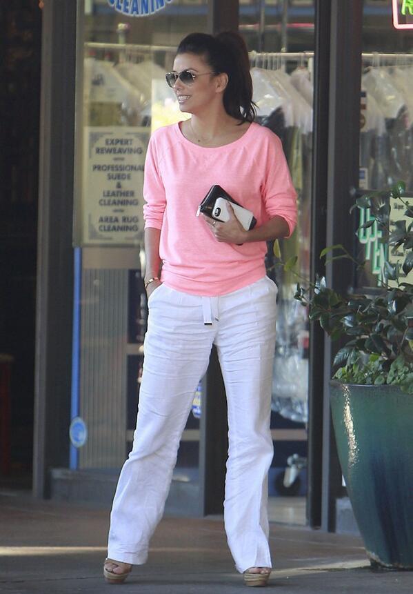 "I luv my Gerard Darel linen pants! RT ""@Koko7_: OMG @EvaLongoria is beautiful ! ♥ http://t.co/YbVRRYqPKk"""