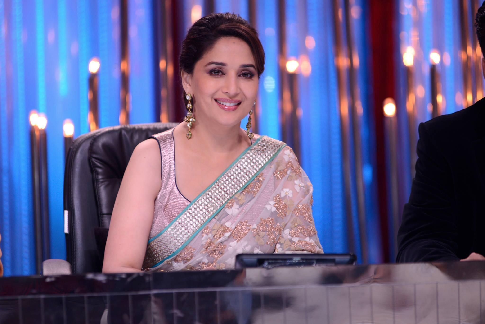 R u getting ready to watch #Jhalak? Should be a power packed evening of performances!!! http://t.co/lb9RZrBUOq