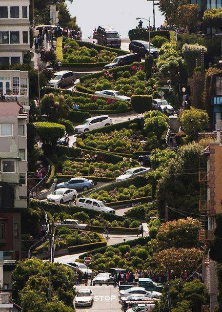 San Francisco'da meşhur Lombart yokuşu http://t.co/ceSfkhjA6v