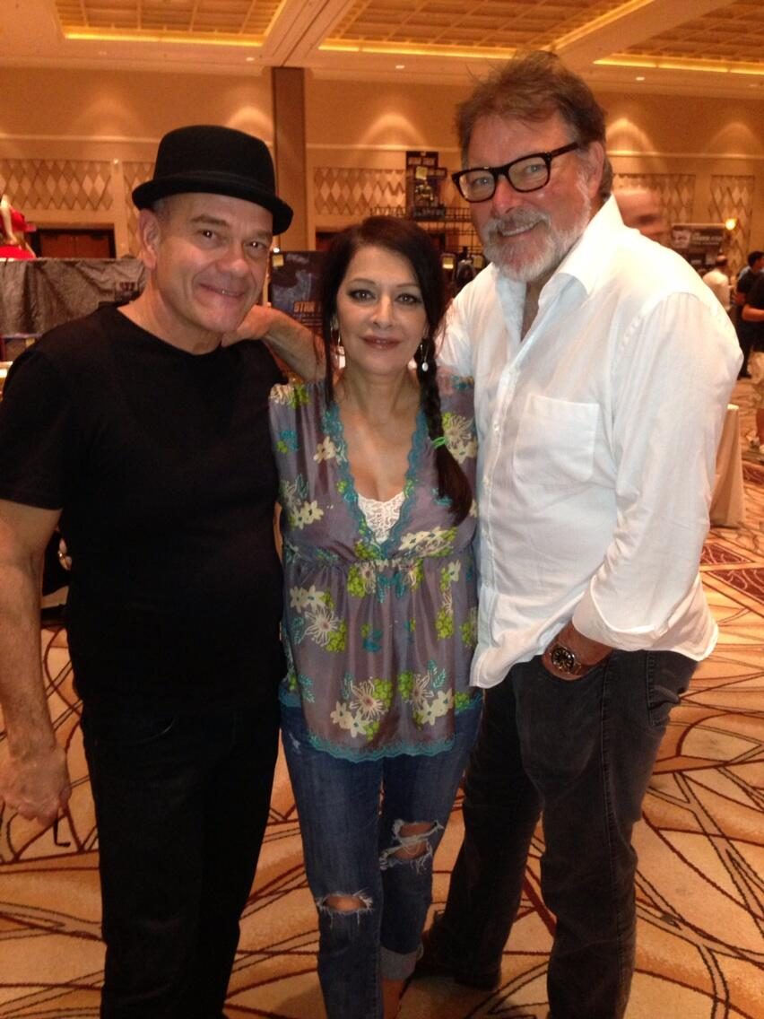 RT @RobertPicardo: @Marina_Sirtis and @jonathansfrakes with unidentified bald man. http://t.co/pXXVHAtaOQ