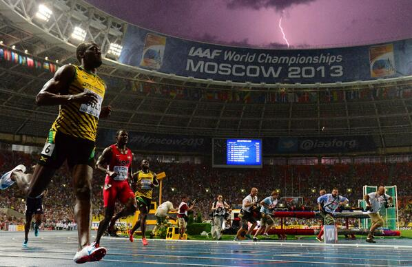 RT @AlexPerryESPN: Unbelievable image of Usain Bolt and a lightning bolt from the men's 100m final in Moscow. http://t.co/7eNCHxK0A4