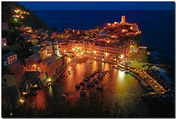 Good  night  from Vernazza, Cinque  Terre ;Italy http://t.co/YjfLdAhswK