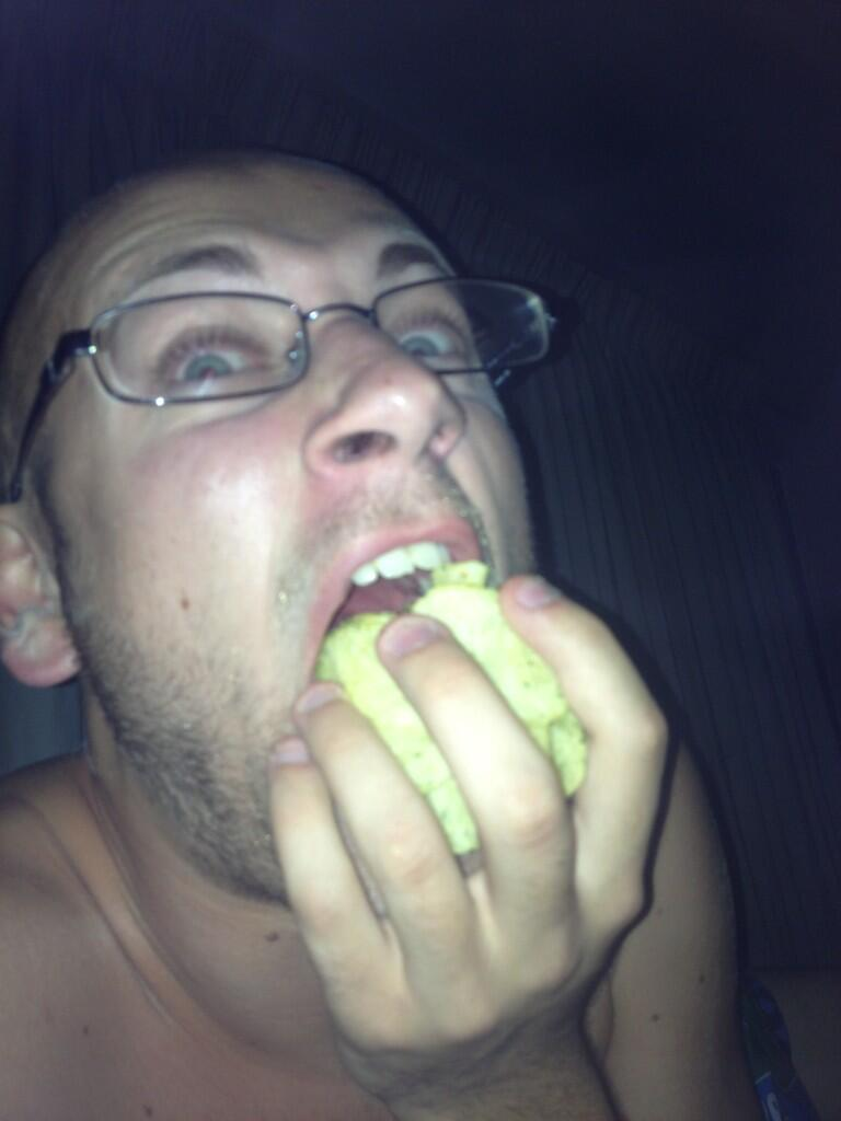 Drunkenly shoving chips into mouth. For the #lulz @BadfishxSage http://t.co/xnlosBWQKI