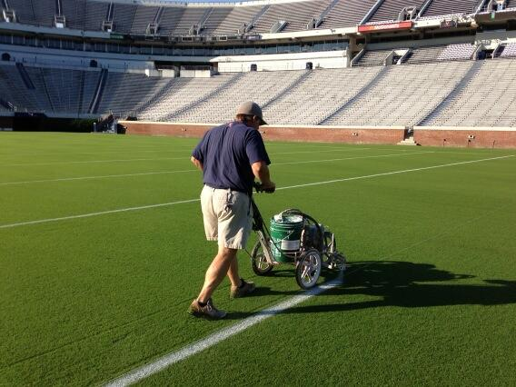 RT @HoosTurf: Lines going down @uva_football for @coachmikelondon and the boys first scrimmage in Scott Stadium! http://t.co/Ccbbs1TtGg