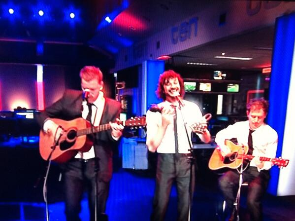 Hermione Kitson (@HermioneKitson): @gotye and @the3basics rehearsing ahead of tonight's special @TenLateNews performance. Don't miss it! #tenlate http://t.co/KAfPCZ7m1Q